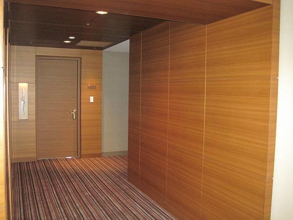 ドア、壁、ダイノックシート