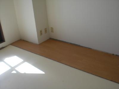 カーペットの床からフローリングへ