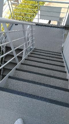 神戸マンション階段 タキステップ・シート貼