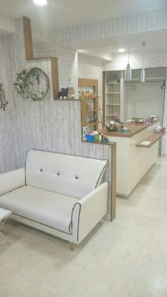 神戸の美容室 レンガ調壁紙クロス工事