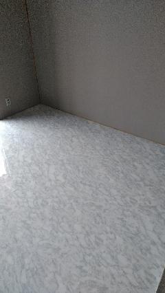 和室の床を大理石調にリフォーム