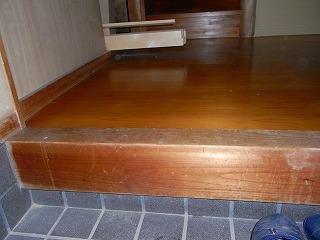 玄関の床張替え施工前