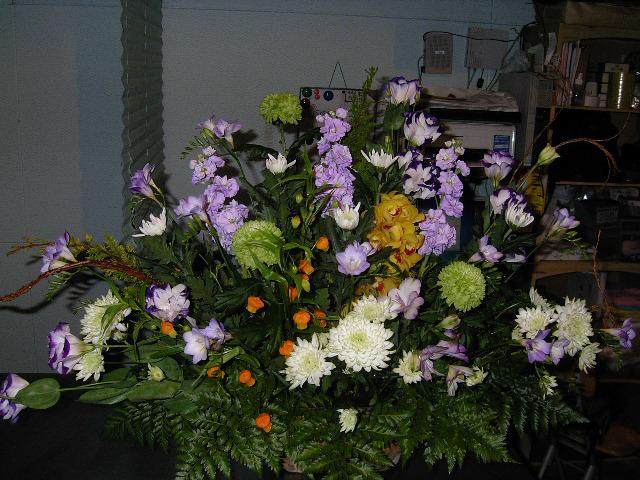 販売した供養花カゴ。