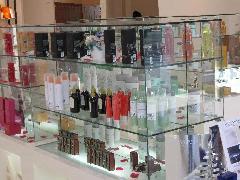 美容室の商品陳列用ガラスケース