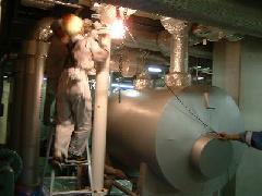某データセンターの冷却配管の配管更生。 磁気式水処理装置ピュアドーラを設置。
