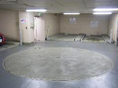 駐車場解体工事(東京都世田谷区)