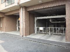 駐車場解体工事(東京都足立区)