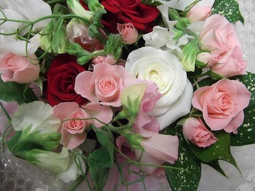 バラを使った母の日アレンジメント2種類