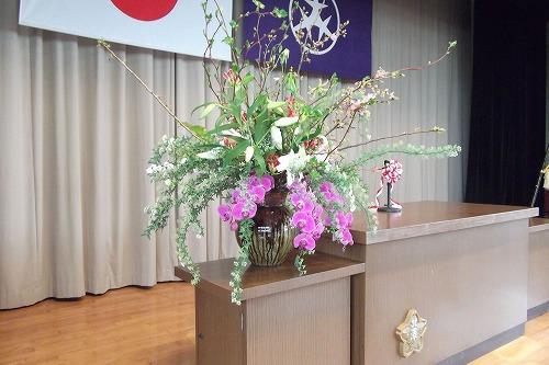 壇上の花、入学式
