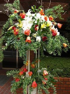 チューリップのスタンド花