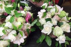 バラを使ったテーブルアレンジメント