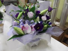 淡い紫 お供えアレンジメント