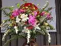 格調高い 壇上の花