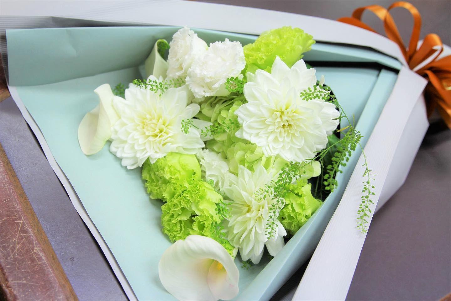bouquet white&green