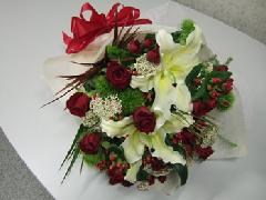 赤バラとカサブランカの花束 M-030