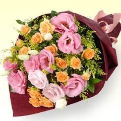 オレンジバラとトルコキキョウの花束.М−511171