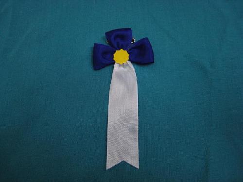 胸につける花・立ヒナ章・記章・徽章(花幅5.5cm)紫/選挙・講演会等で胸につける花