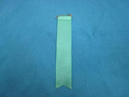 胸につける目印リボンタレ章(小)記章・徽章(全長13cm)緑/選挙・講演会等で胸につけるリボン