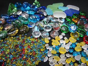 おはじき型やガラス素材