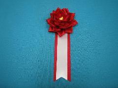 胸につける花リボンバラ章・記章・徽章(小・花径8cm)赤