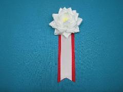 胸につける花リボンバラ章・記章・徽章(小・花径8cm)白