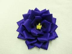 胸につける花リボンバラ・記章・徽章(小・花径8cm)紺