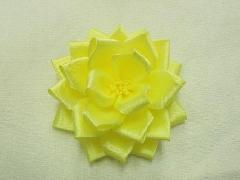 胸につける花リボンバラ・記章・徽章(特小・花径7cm)黄