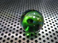ビー玉・ガラス玉オーロラ25mmグリーン