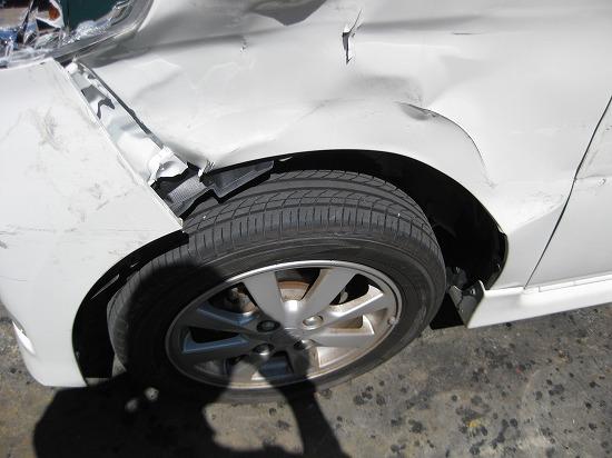 凹んだり傷ついたりした車