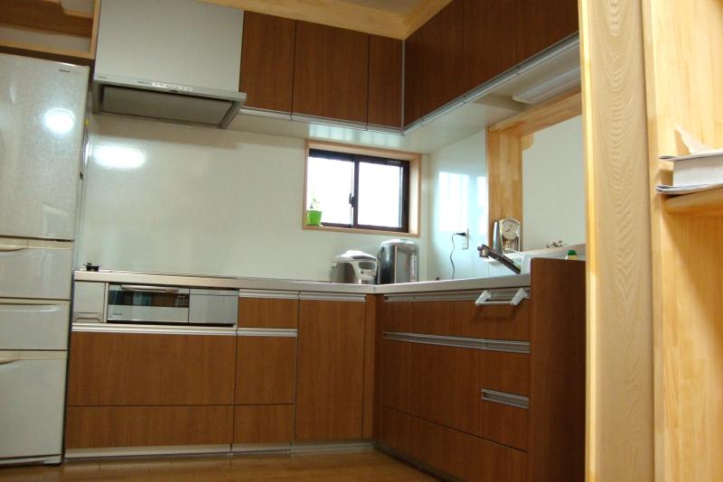 ダイニングキッチンと収納