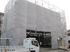東京都下北沢にて足場施工