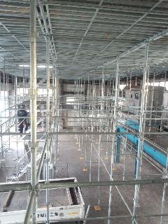 神奈川県相模原市倉庫天井工事 足場ステージ施工
