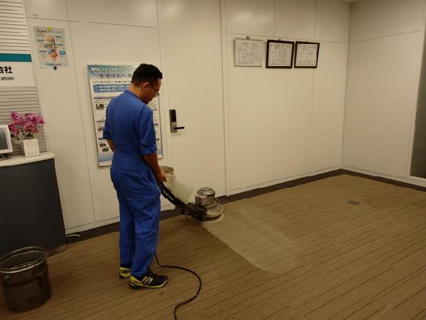 オフィスのエントランス清掃