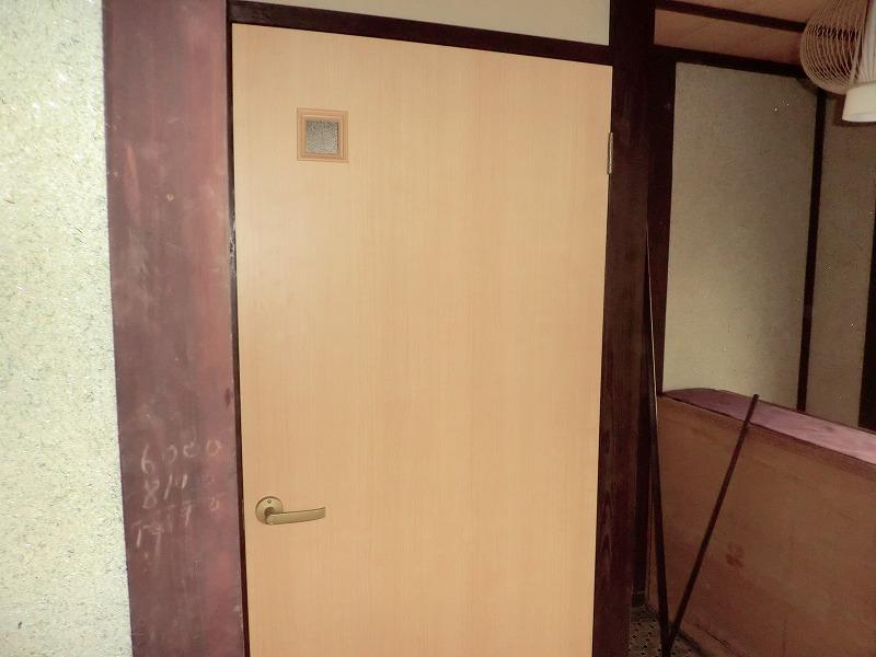 トイレドア完成