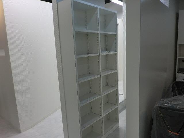 収納棚を製作しました。