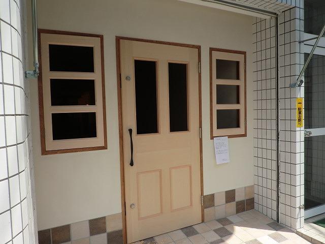 店舗の玄関