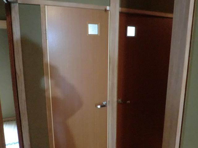 トイレ脱衣建具のリフォーム工事