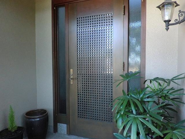 玄関開き戸