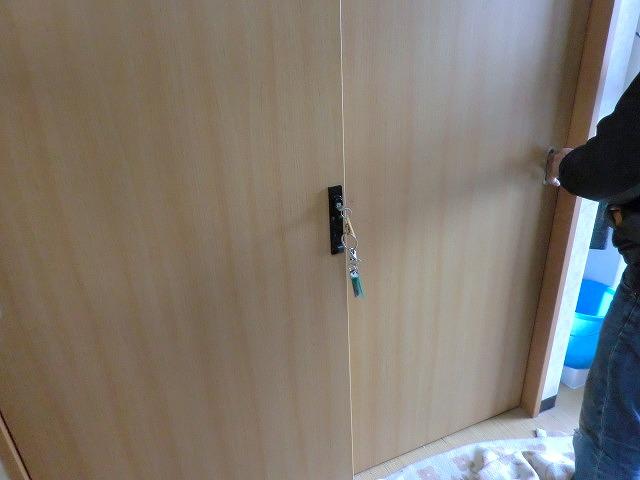 引き違い戸のかぎ調整