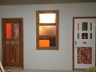 モデルルームのかわいい外装とドア