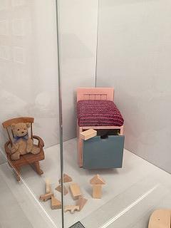 ピンクのかわいいリメイク家具
