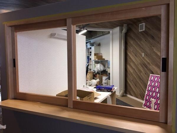 かわいいモデルルームの出窓が完成致しました。