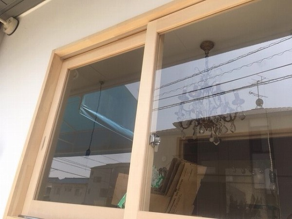 店舗引違窓