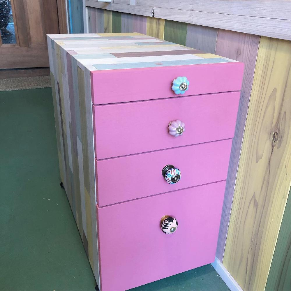 かわいいピンクの引き出しです!