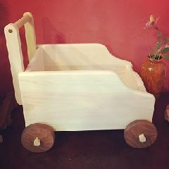 広島県産ヒノキで作った箱車