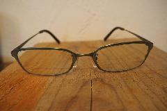 GUCCIのメガネグレー