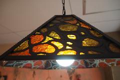 ステンドグラス風古い色ガラスの照明一つ電球