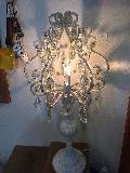 かわいいシャンデリア置き型照明
