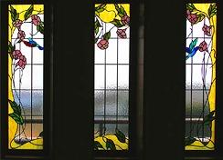 階段室FIX窓「鳥たちの楽園」ステンドグラス
