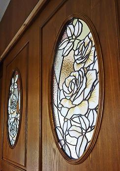 建具ドア2枚組「金箔白バラ」ステンドグラス